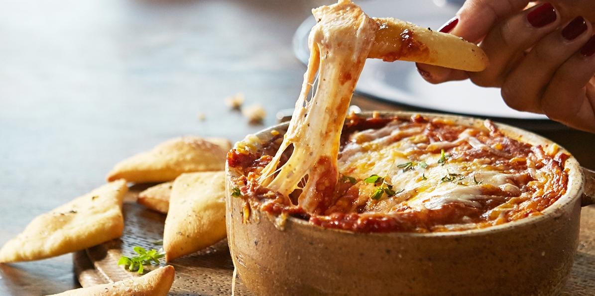 Fan Favorite Pizza Dip