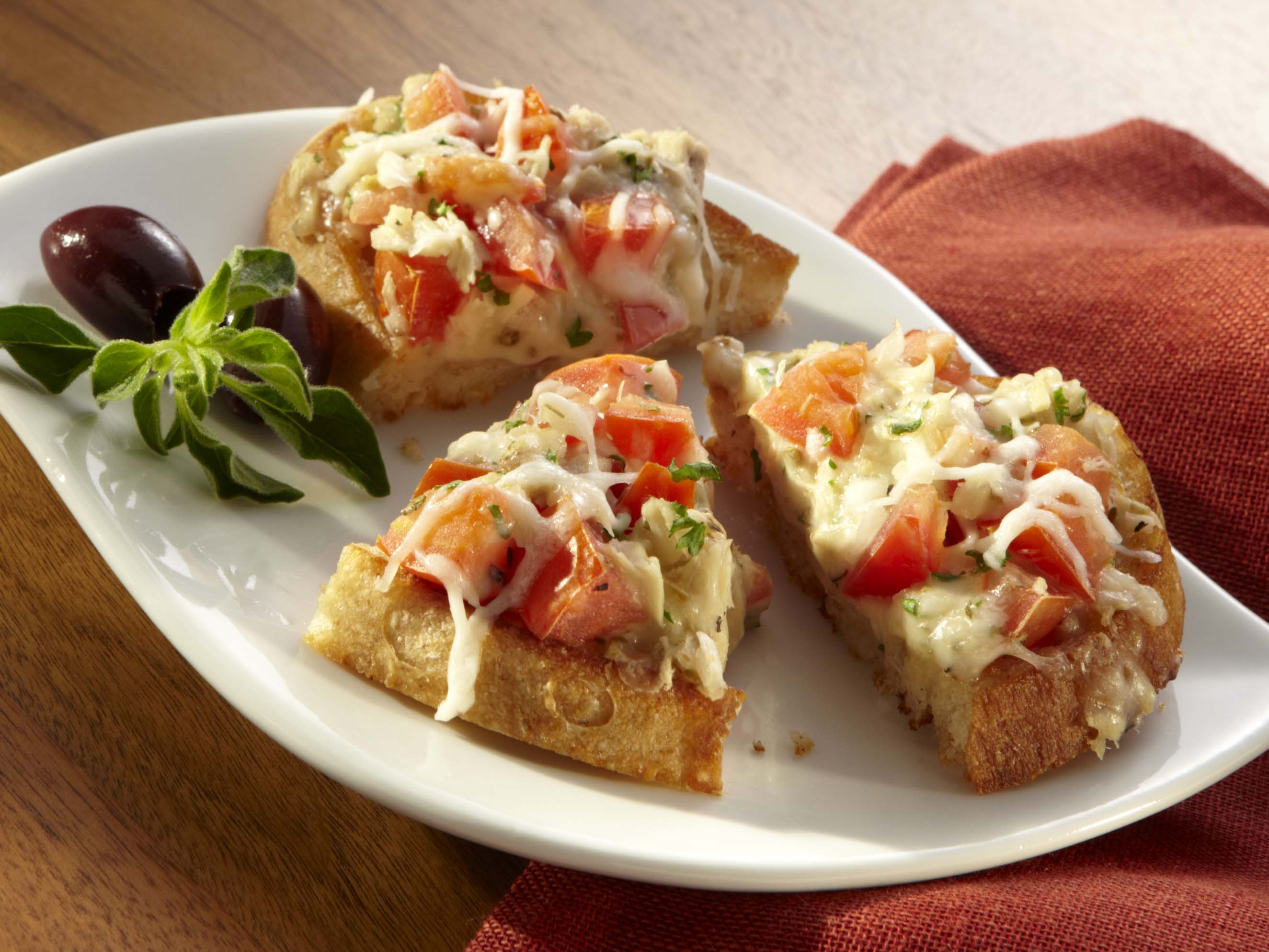 tuna bruschetta recipe sargento shredded mozzarella. Black Bedroom Furniture Sets. Home Design Ideas