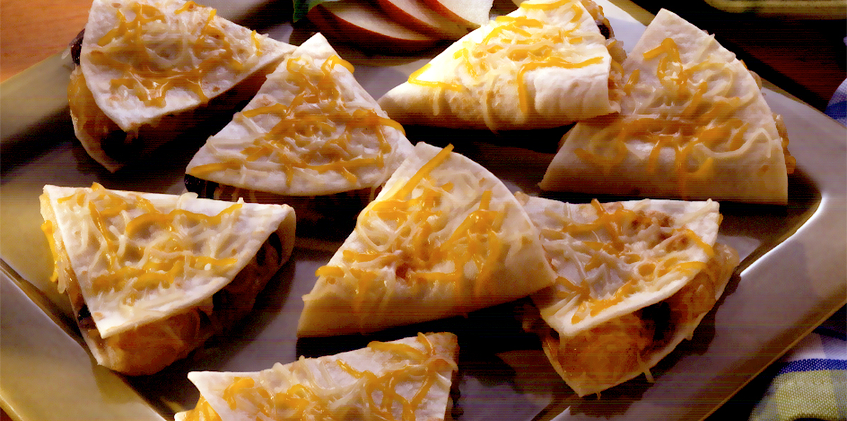 Apple Pie Quesadilla Recipe | Sargento® 4 Cheese Mexican