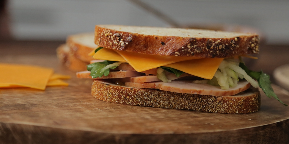 Cheddar, Turkey Apple Sandwich | Sargento® Ultra Thin® Sharp Cheddar ...